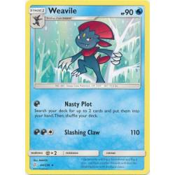 Weavile - Pokemon Sun & Moon: Cosmic Eclipse - 44/236 - Rare